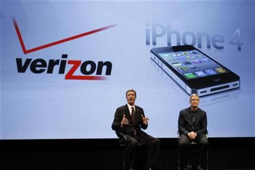 Verizon Wireless president and CEO, Mead and COO of Apple, Cook answer questions during Verizon's iPhone 4 launch event in New York