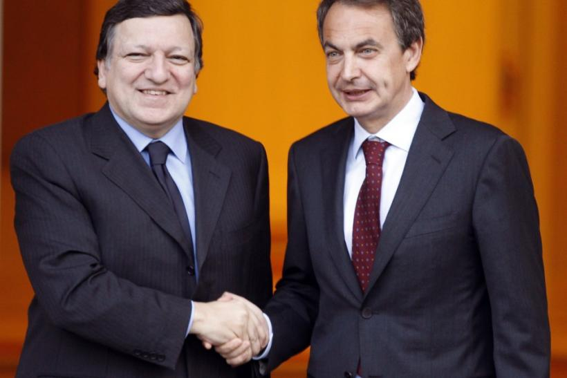 Spain's Prime Minister Zapatero and European Commission President Barroso before their meeting in Madrid