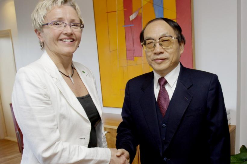 China's Railway Minister Liu Zhijun meets with Norwegian Minister of Transport and Communications Liv Signe Navarsete in Oslo