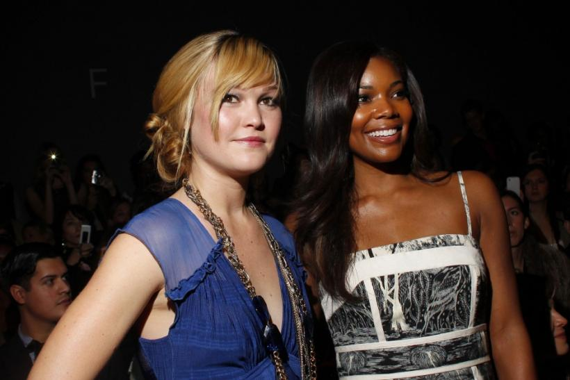Julia Stiles and Gabrielle Union