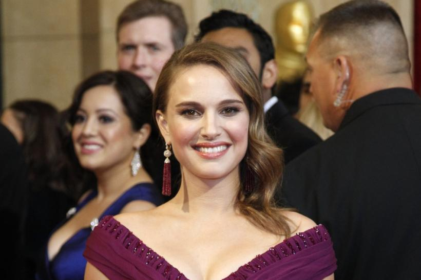 Natalie Portman adorns $50 H&M dress for Hollywood 2011 fete.