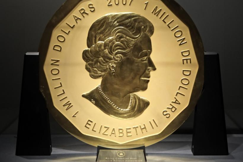Canadian $ 1,000.000 Maple Leaf with a weight of 100 kilos and a diameter of 53cm is on display at Dorotheum auction house in Vienna June 16, 2010.