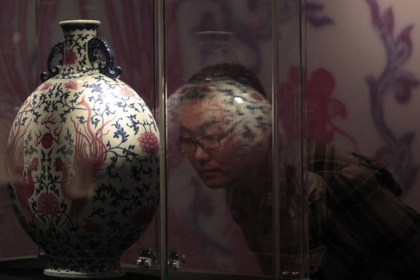 Report: UK loses to China in the global art and antique market.