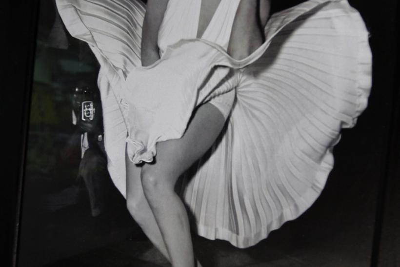 Marilyn subway dress