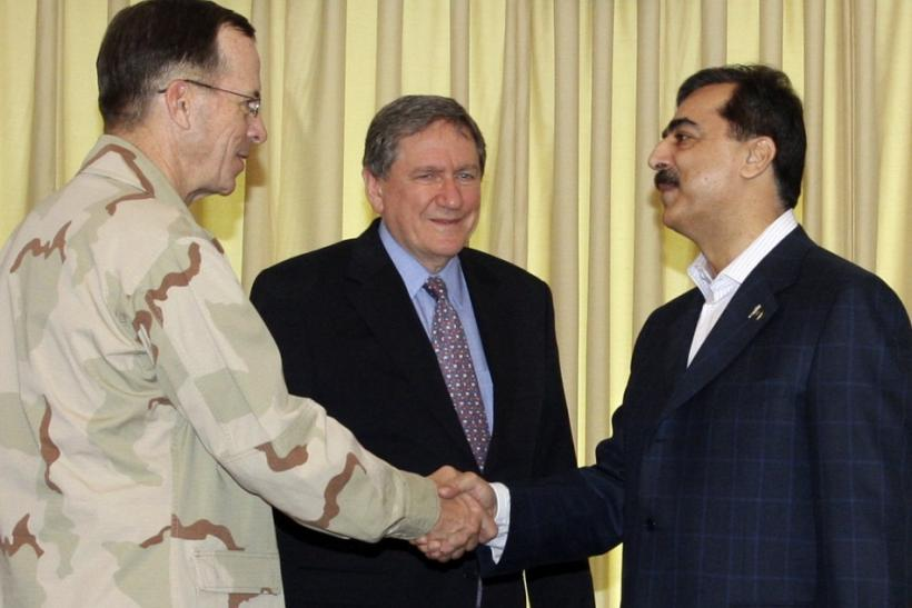 Pakistan's Prime Minister Gilani shakes hands with Chairman of the U.S. Joint Chiefs of Staff Admiral Mullen as Holbrooke, special U.S. envoy to Afghanistan and Pakistan, looks on in Islamabad