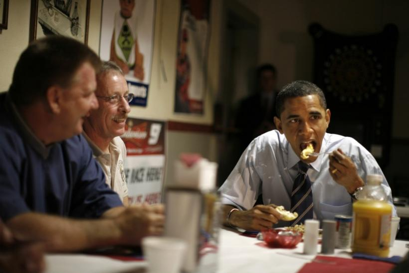 U.S. presidential candidate Obama eats breakfast with union workers in Evansville