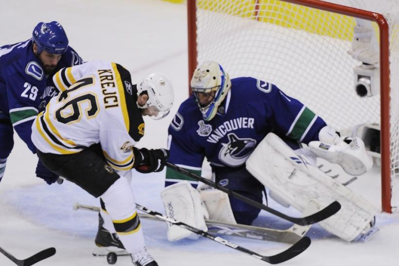 Canucks lead 2-0: Burrows scores second quickest OT goal in Stanley Cup history (Photos)
