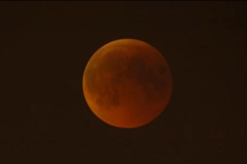 Live Pictures: Lunar Eclipse on June 15, 2011