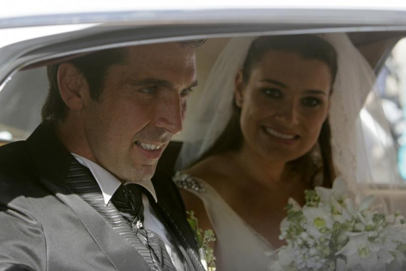 Italy keeper Buffon marries live-in partner model Seredova