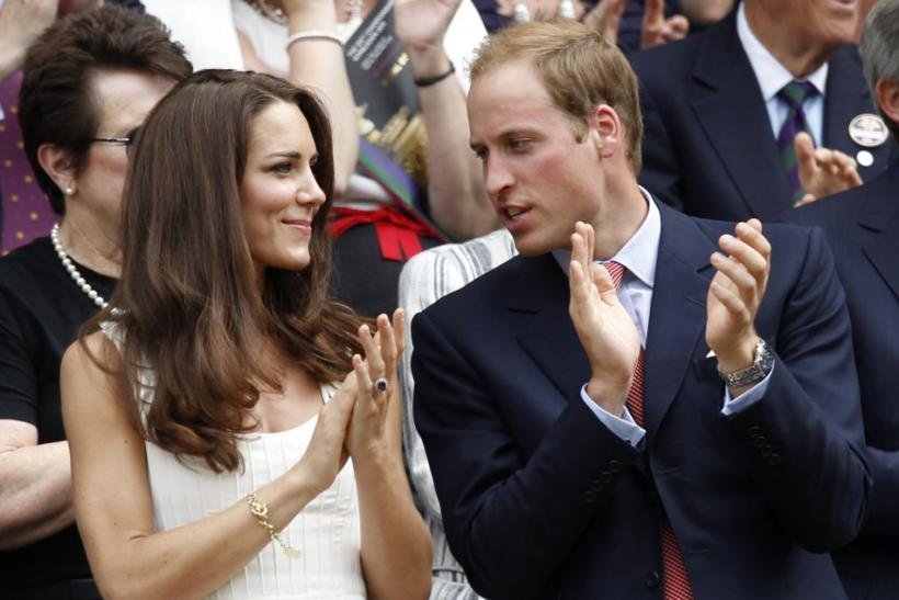Kate and William Centre Court applauding
