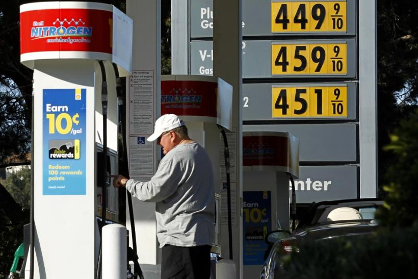 U.S. gas prices drive fewer to travel on July 4th
