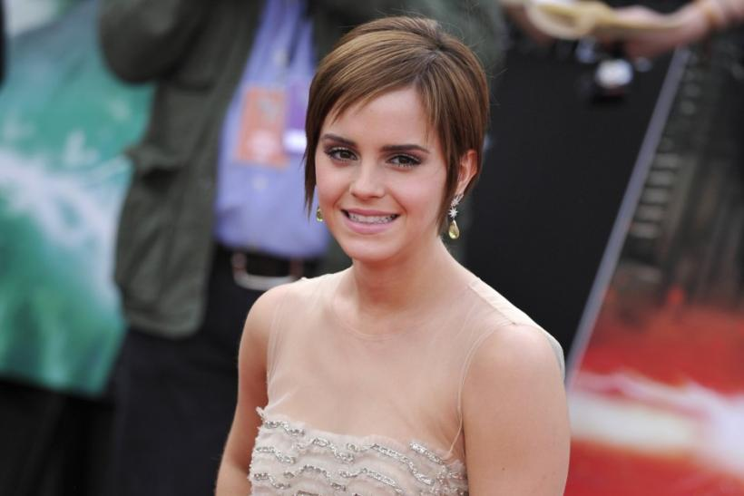 Emma Watson Arrives on Red Carpet