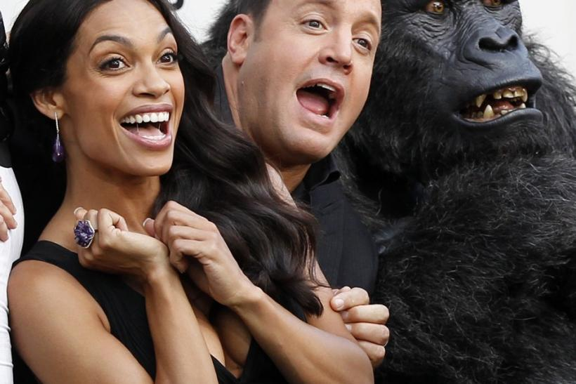 Rosario Dawson (L) and Kevin James