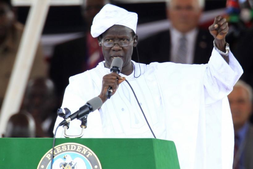 Speaker of the Southern Sudan Legislative Assembly James Wani Igga performs the proclamation of the Independence