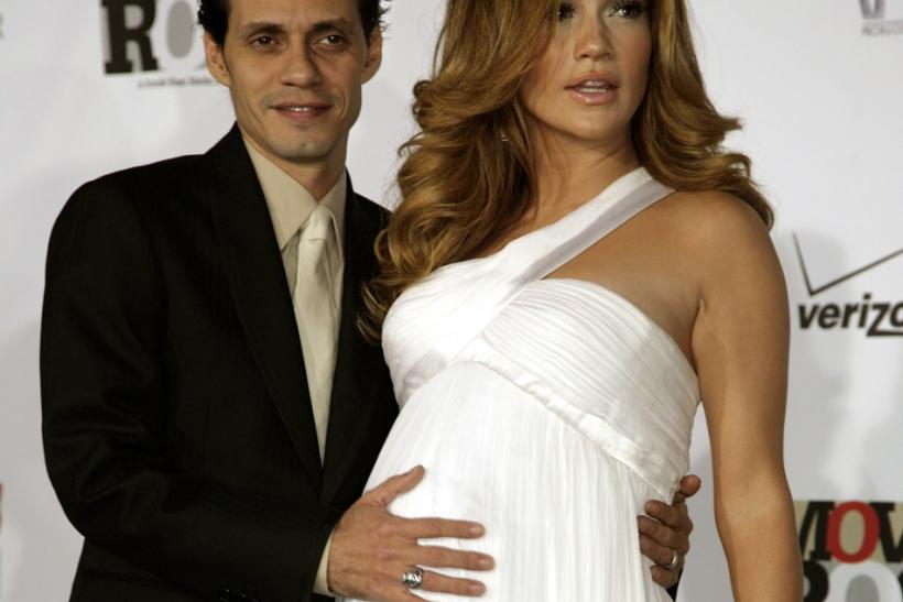 "Marc Anthony (L) and Jennifer Lopez arrive for the taping of ""Movies Rock"" at the Kodak Theatre"