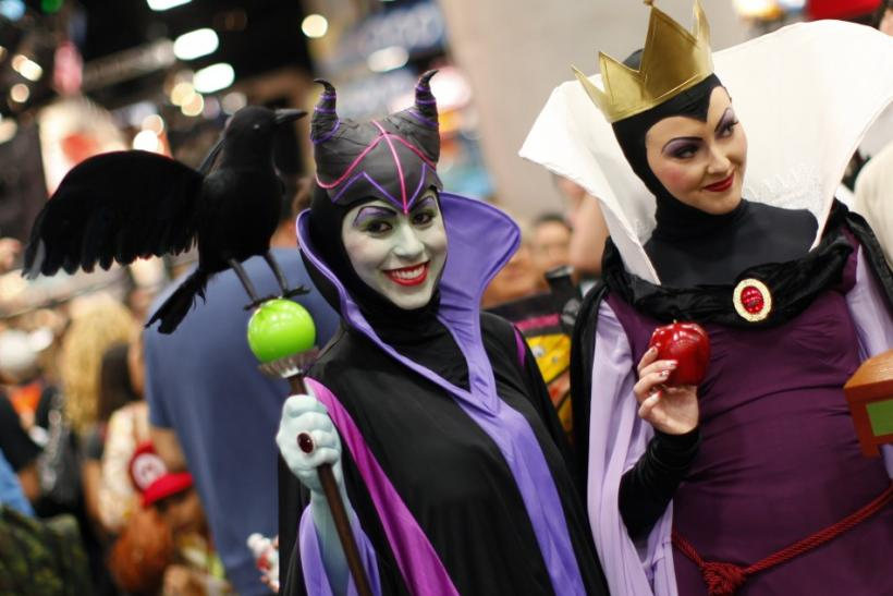 Attendees in costume walk the convention floor at Comic Con in San Diego Photo Reuters ...  sc 1 st  International Business Times & Best Comic-Con Costumes 2011