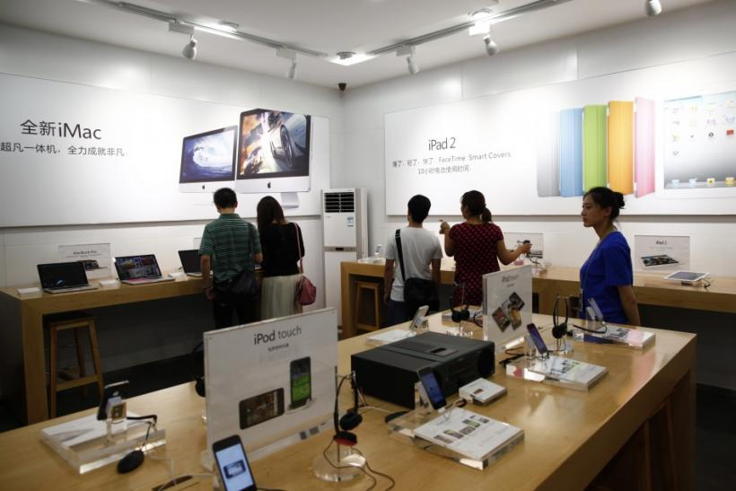 Fake Apple Store Fools Inspectors and Staff, Plus Other Counterfeit Brands (PHOTOS)