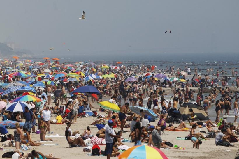 Brutal Heat Wave Cooling Down on East Coast, Not Other States (Photos of Heat Wave Fights)