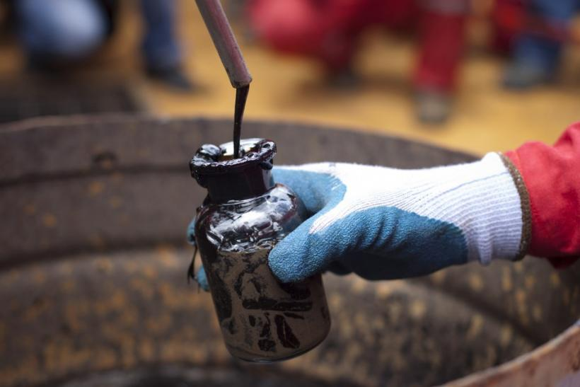 Crude Oil Futures on Track for Weekly Gain on U.S. Economic Recovery