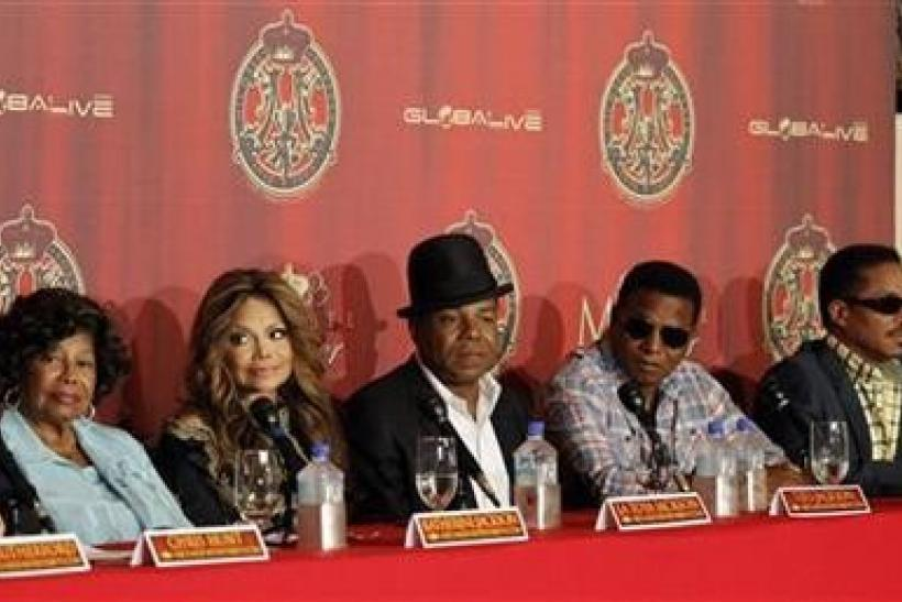 Katherine Jackson (L) with her children La Toya, Tito, Jackie and Marlon attend a news conference to announce a tribute concert for the 40th anniversary of the late pop star Michael Jackson's career in Beverly Hills, California