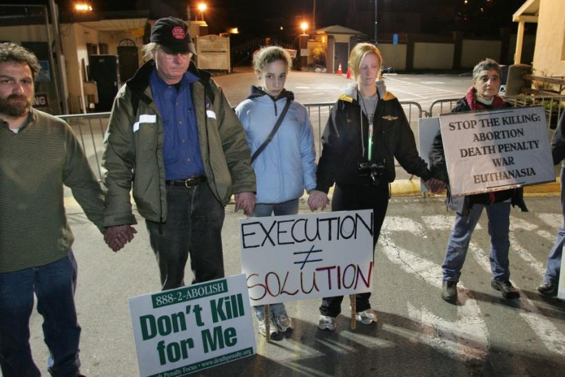 Demonstrators protest against the execution of Clarence Ray Allen in San Quentin