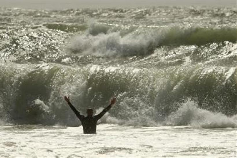Irene wind speed at 50 mph, nears Canada: NHC