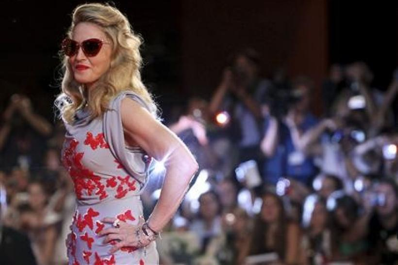 Madonna's crown slips with mediocre movie reviews
