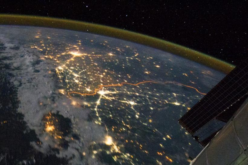 The India-Pakistan border from ISS