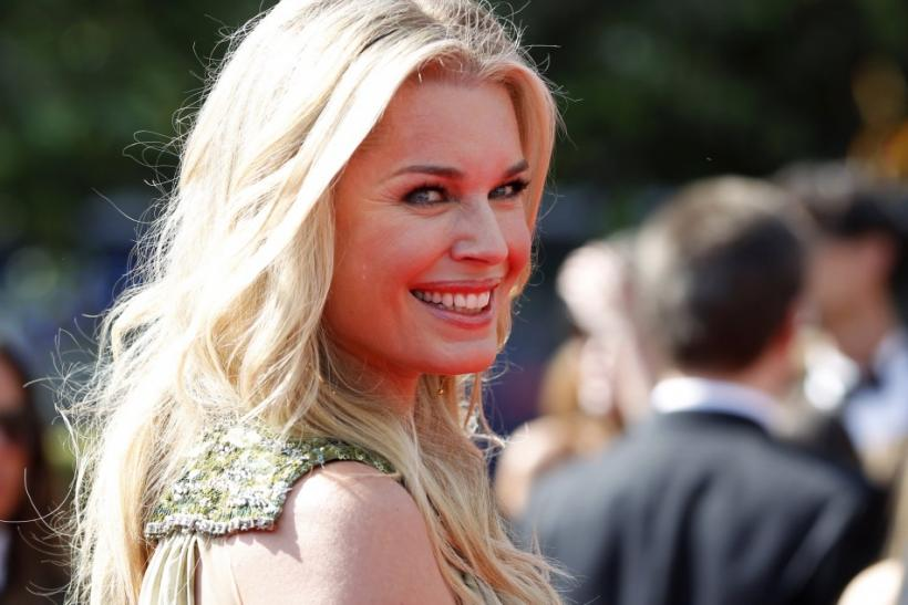 Actress Rebecca Romijn arrives at the 2011 Primetime Creative Arts Emmy Awards in Los Angeles