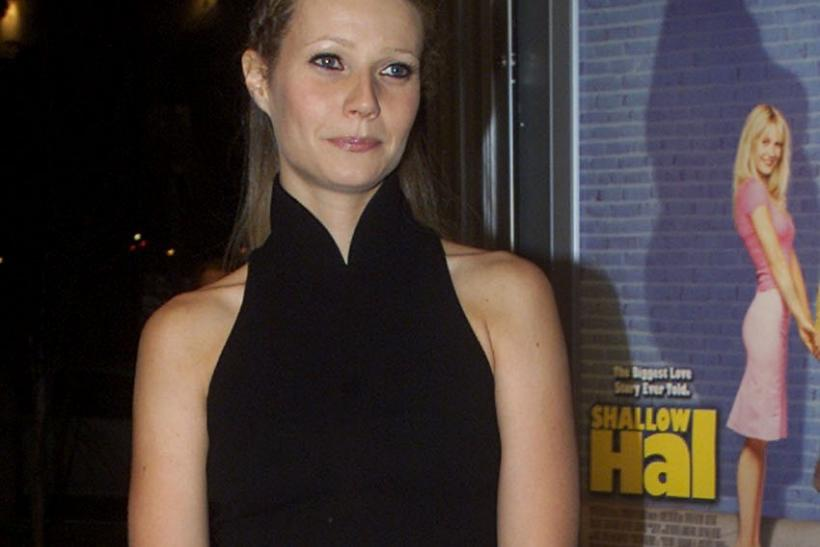 ACTRESS GWYNETH PALTROW AT PREMIERE OF SHALLOW HAL.