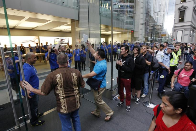 Sydney residents wait in line for the release of the iPad 2. Reuters/Tim Wimborne