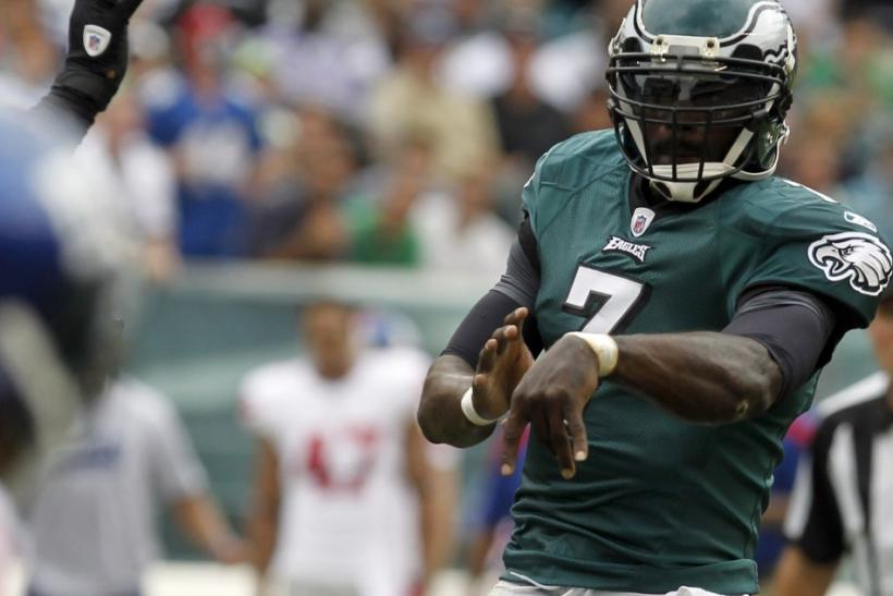 Philadelphia Eagles quarterback Michael Vick throws forward pass during NFL football action against New York Giants in Philadelphia