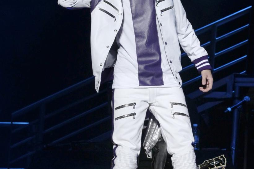 """Canadian pop singer Justin Bieber performs during his """"My World Tour"""" concert in Mexico City"""