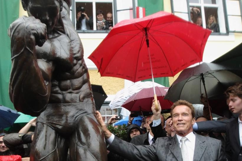 Schwarzenegger Unveils a Statue of Himself