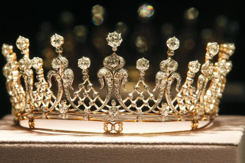 The Mike Todd antique diamond tiara.
