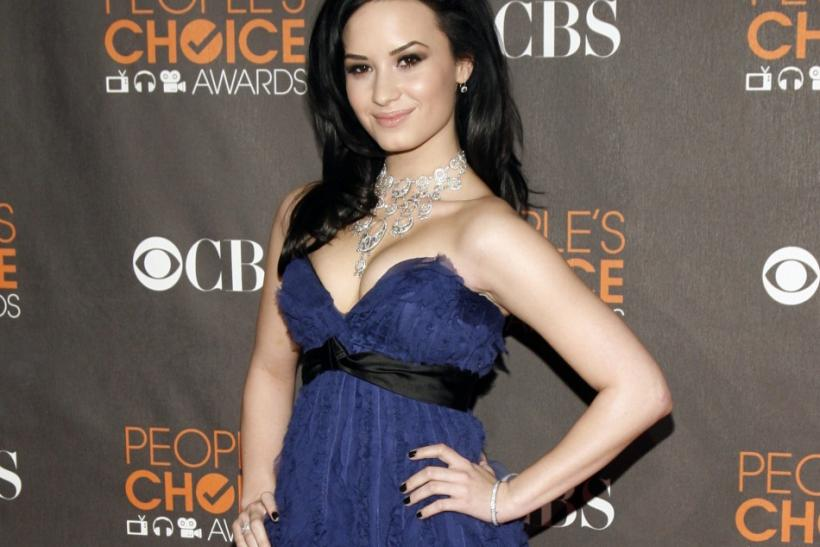 Singer Demi Lovato arrives at the 2010 People's Choice Awards in Los Angeles