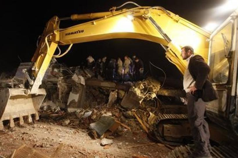 Death toll rises over 200 in Turkey quake: minister