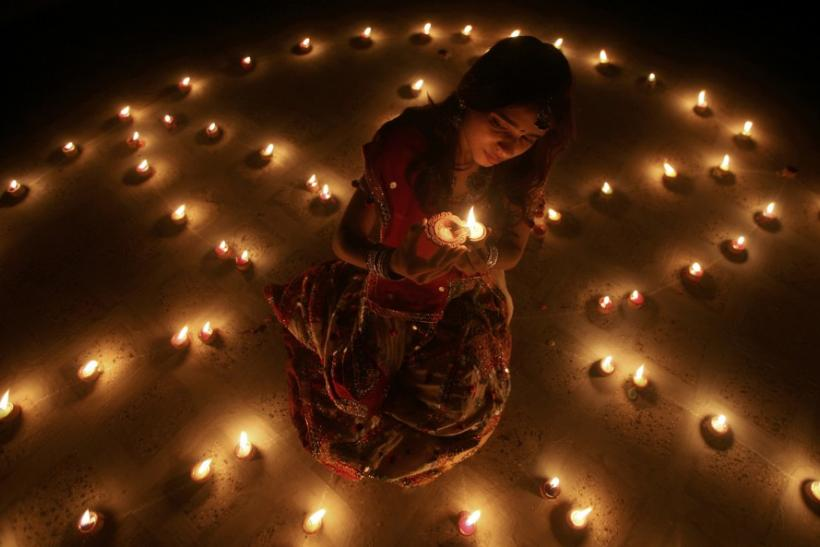 Festive Season Across the World: Halloween in the U.S. and Diwali 2011, Festival of Lights in India [Breathtaking Diwali PHOTOS]