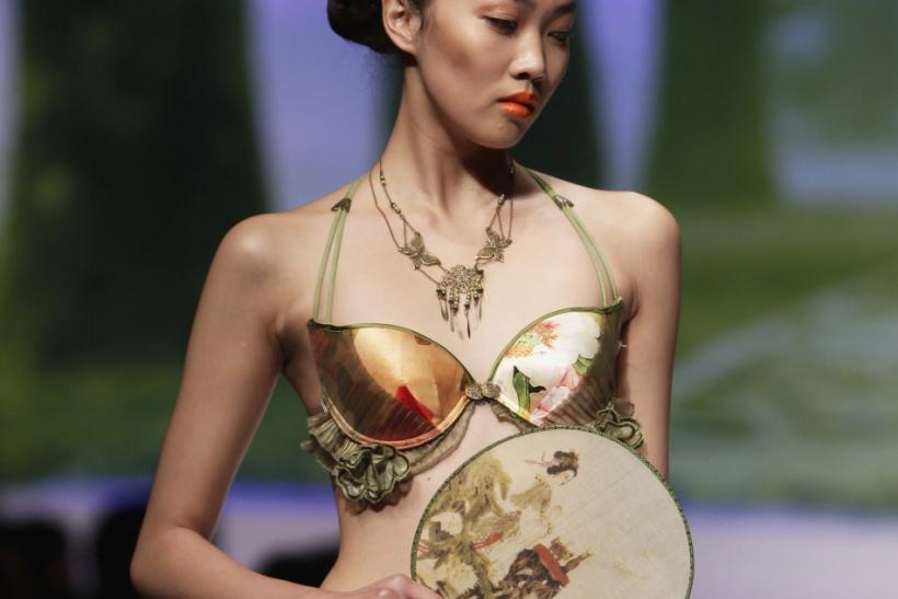 Hottest Lingerie Designs: Models in Enticing Lingerie Heat up China Fashion Week 2012 for 'Ordifen Cup' [PHOTOS]