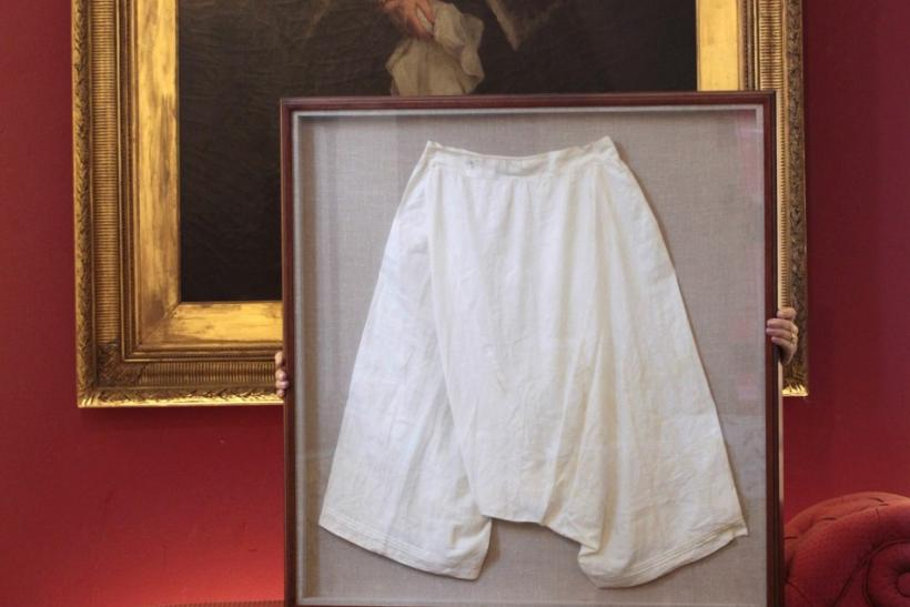Victoria's Secret: Monarch's Old Bloomers Sold for $15,245.