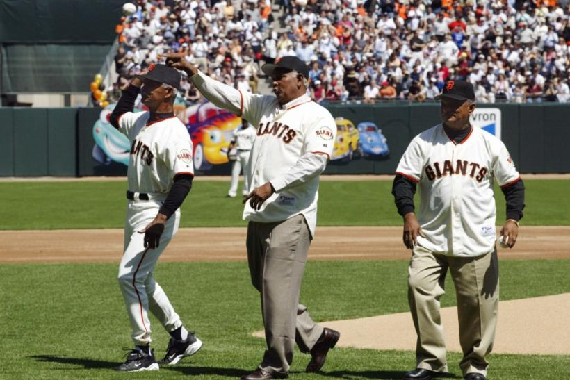 Matty Alou, brother of Felipe and Jesús Alou died Thursday in his native Dominican Republic at the age of 72. Alou and his brothers all played the outfield for the San Francisco Giants together in 1963, the first trio of brothers to do so.