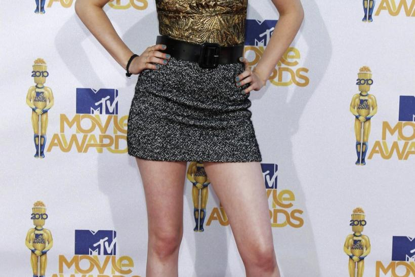Actress Kristen Stewart arrives at the 2010 MTV Movie Awards in Los Angeles