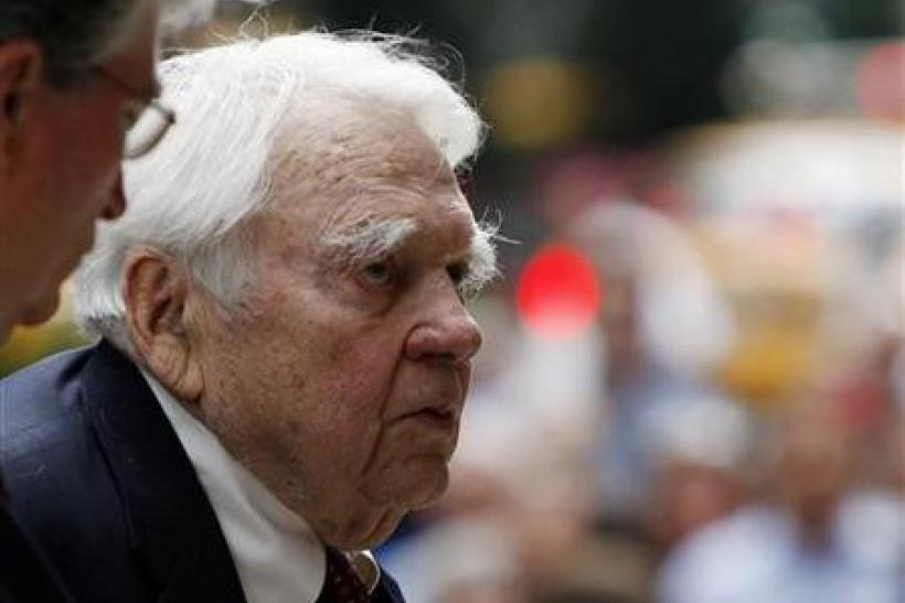 Andy Rooney arrives for the funeral service for longtime CBS News anchor Walter Cronkite at St.Bartholomew's Church in New York