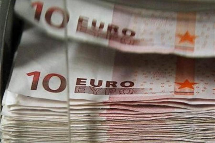 Euro drops versus dollar as Italy takes spotlight