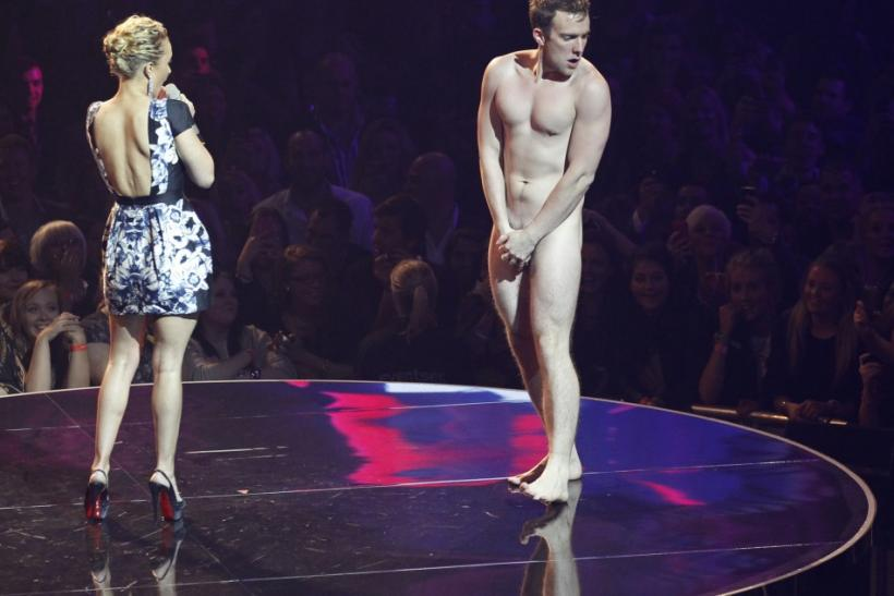 Hayden Panettiere and streaker