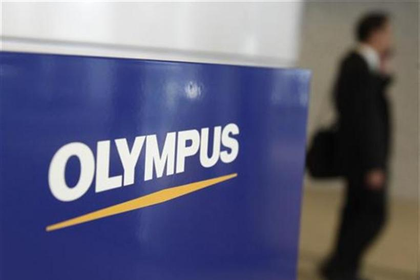 Olympus ex-CEO campaigns to oust board