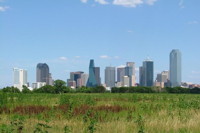 The skyline of Dallas, Texas facing southeast.