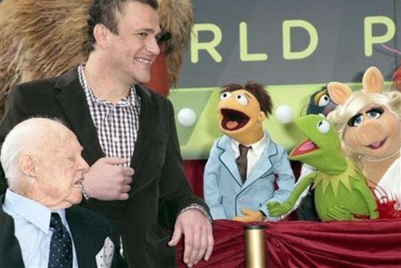 A Minute With: Jason Segel on Muppets and Puppets