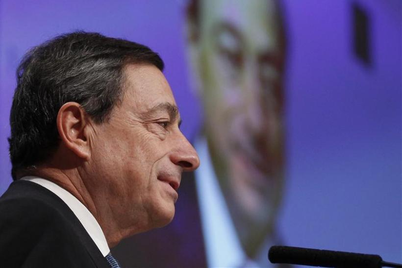 ECB President Draghi holds his speech during the European Banking Congress 2011 in Frankfurt