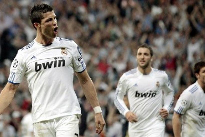 c973330c080 VIDEO Real Madrid 3 - Valencia 2  Highlights and Recap From Saturday s  Match  19 November 2011